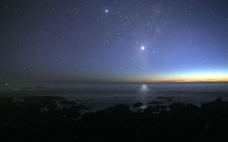 درخشش سیاره زهره در آسمان
